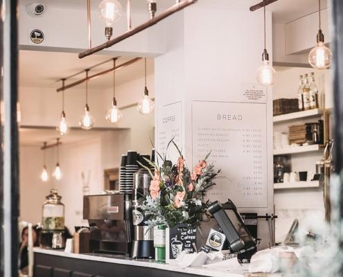 restaurant-checkout-counter