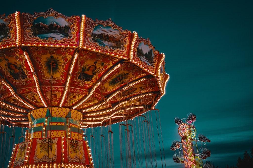 amusement-park-at-night